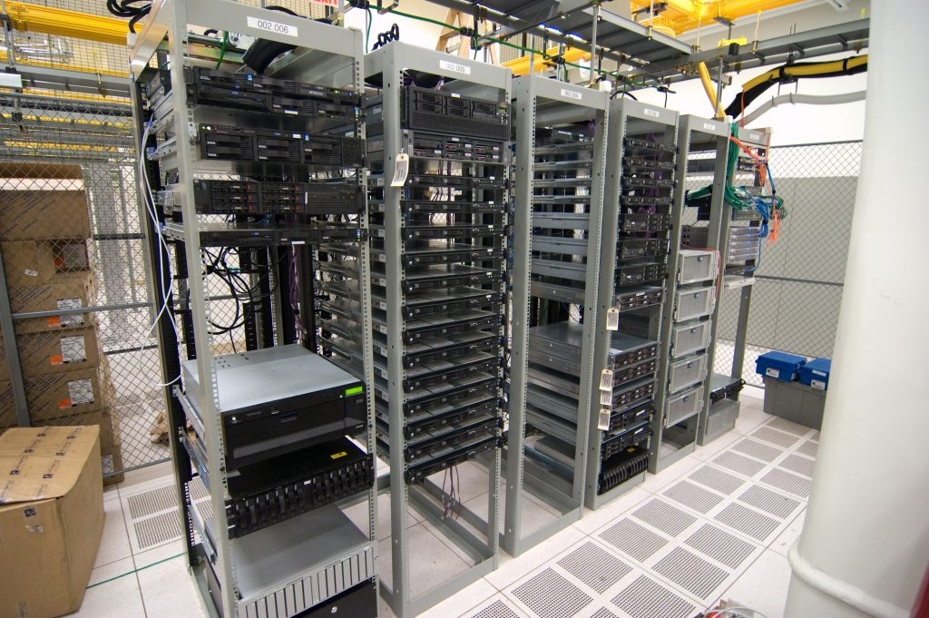 Server Per Ufficio Prezzi.Server Fisico O Virtuale La Scelta Migliore Per La Tua Organizzazione Infos